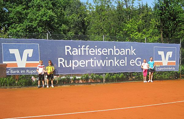Bild mit der Tennisjugend